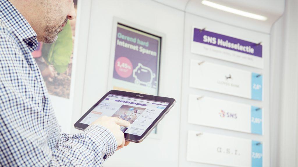 case bankkantoren en digital signage
